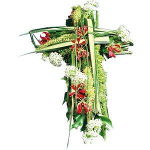 croix en roses rouges